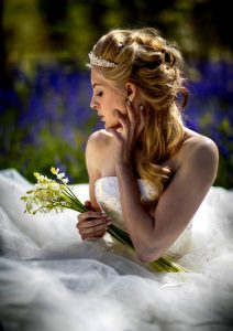 bride wedding photography winchester Hampshire woodland Micheldever